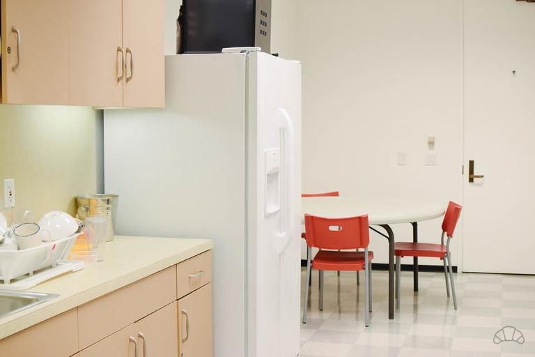 Take a break in the coworking kitchen.