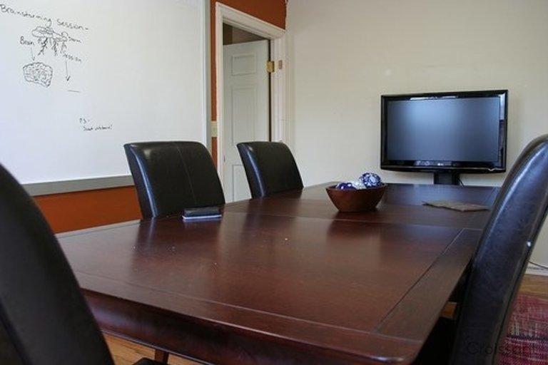 01 Desk Space