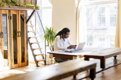 Natural light for a better coworking experience