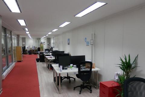 01 Common Desk Area A